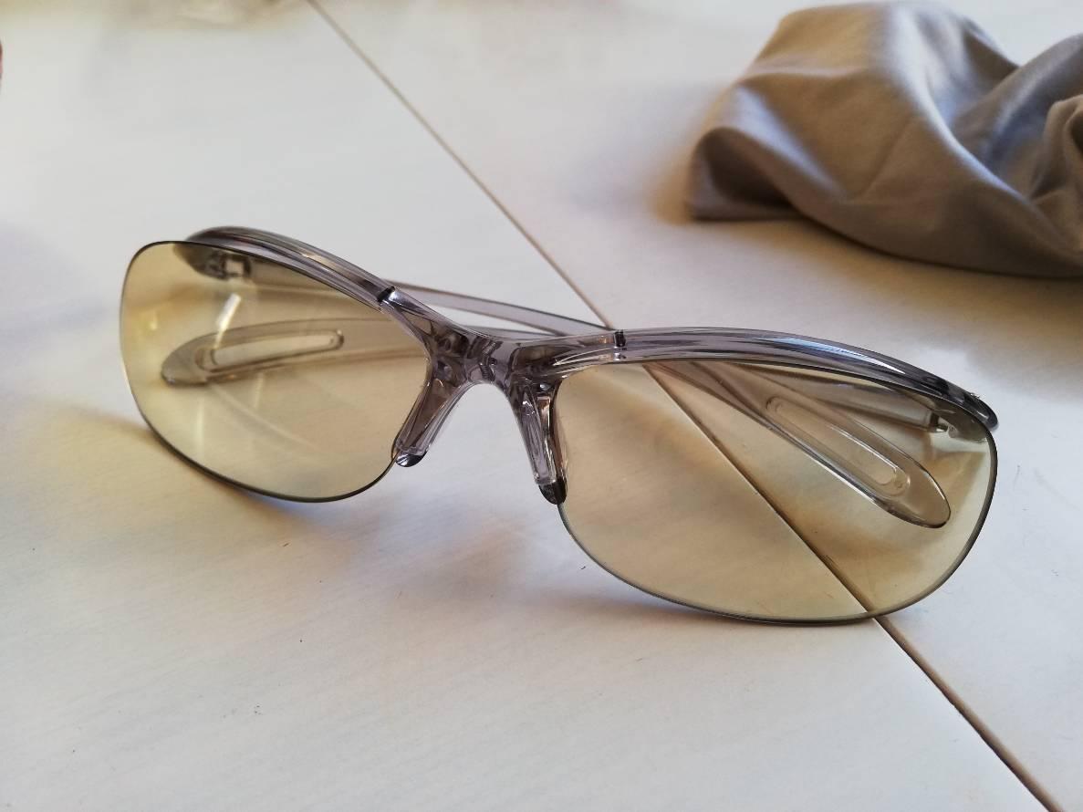 元SEがオススメするブルーライトメガネ。ツラい目の疲れに効果アリ!