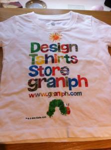はらぺこあおむしのTシャツ。 私と息子はペアルックです(笑)